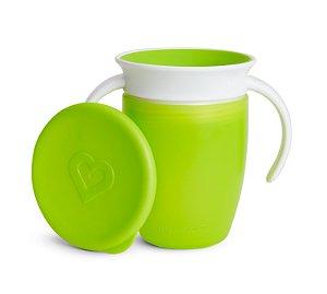 Copo de Treinamento 360 com Tampa (Miracle Cup) Verde - Munchkin