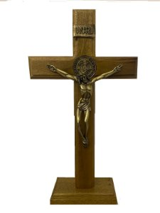 Crucifixo com medalha de São Bento Mesa e Parede 17 cm