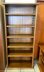 Torre de livros aberta