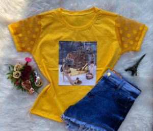 T-shirt sandália amarela