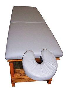 Maca para Massagem Beauty Multiforma, com suporte para o rosto e papeleira em madeira Peroba Demolição.