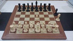 Jogo de Xadrez  Stauton com Tabuleiro de Madeira Marchetado  MDF
