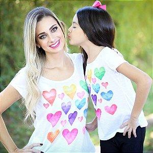 T-shirt Corações Aquarela - INFANTIL
