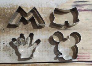 Cortador Mickey (Roupa, Rosto, Luva e M do Mickey)  Inox