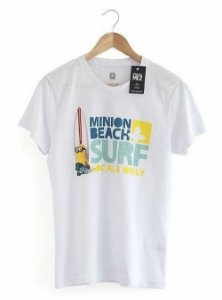 Camiseta Minion Beach Surf