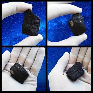 Meteorito Chelyabinsk Muito Raro e em Excelente Estado de Conservação