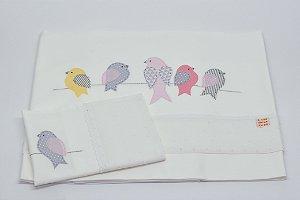 Jogo de Lençol Bordado - Pássaro no fio rosa