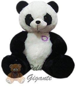 Urso gigante - Urso panda com um lindo coração lilás em seu peito.