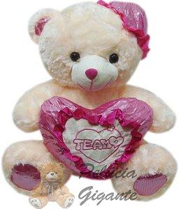 Urso Gigante com Coração e Chapéu Rosa
