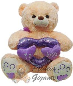 Urso com Arco de Corações Te Amo
