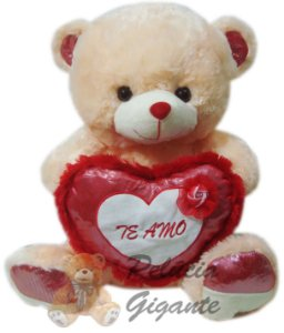 Urso coração te amo com uma linda flor
