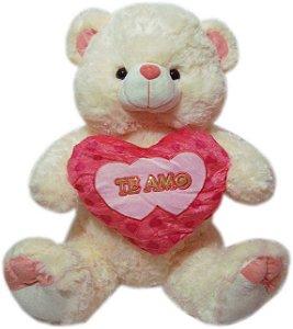 Urso Charmoso com Coração Goiaba