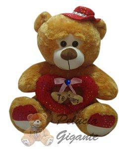 Urso charmoso com coração