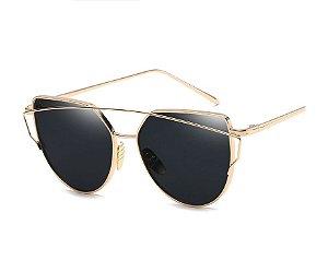 Óculos de Sol Feminino Recortes - Dourado com Lente Preto