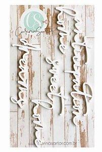 Títulos em acrílico branco - Home - WAI15 - Carina Sartor