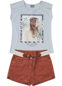 Conjunto Brandili Blusa Artesanal e Short Jeans Color com cinto de macramê