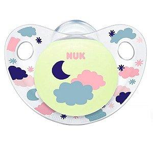 Chupeta de Bebê Menina Acima de 6 Meses Tam 2 Bico de Silicone Brilha No Escuro Night e Day Nuk