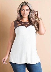 Blusa Off-White Recortes em Courino Plus Size