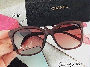 Óculos de sol Clássicos Chanel 8077