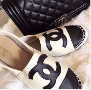facd9f034 Mocassim Louis Vuitton, Alpargatas, Chanel, Sapatilhas Chanel