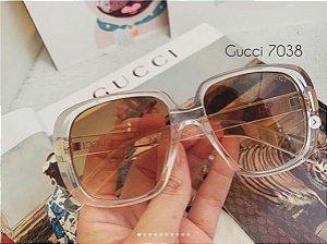 Óculos Gucci 7038