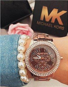 Relógio Linha MK 1037