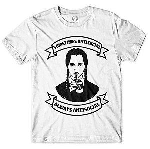 Camiseta Sometimes Antisocial Wandinha