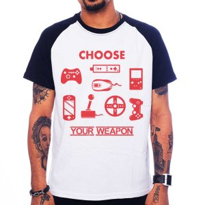 Camiseta Raglan Choose Your Weapon