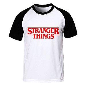 Raglan Stranger Things - Logo - Branca - G