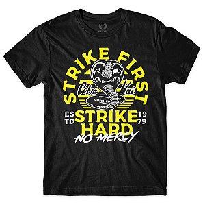 Camiseta Cobra Kai - Strike First