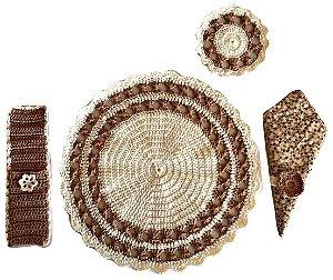 Kit Sousplat de Crochê + Porta Copo + Porta Talher + Porta Guardanapo + Guardanapo de Tecido 5 peças