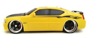 Carro de Controle Remoto Dodge Charger SRT8 2006 Escala 1:24 Maisto Tech