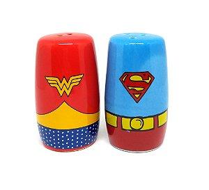Saleiro e Pimenteiro Mulher Maravilha e Superman - Logos
