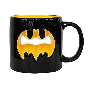 Caneca Porcelana 3D Batman Logo Vazado 320ml - DC Comics