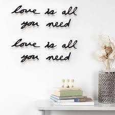 Display Decorativo de Parede Mantra Umbra - All You Need is Love
