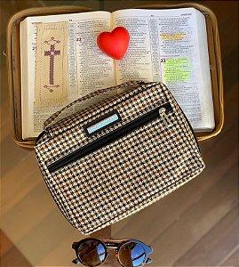 Bolsa para Biblia Estampa Xadrez Chanel