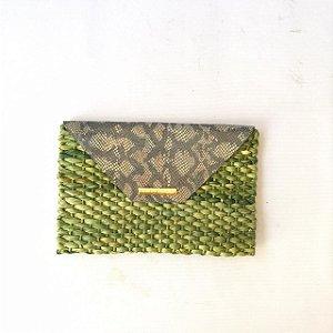 Clutch palha verde Cobra milho envelope