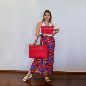 Kit bolsa de praia em tela Vazada e Necessaire tela vermelha
