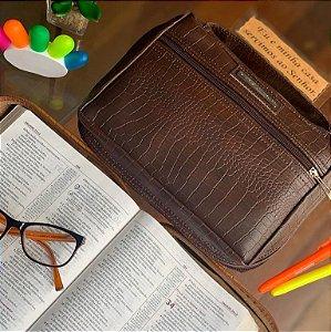 Bolsa para bíblia em couro marrom croco