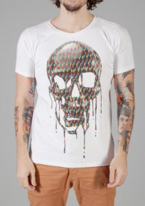 Camiseta Red Feather Fluid Skull
