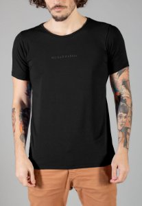 Camiseta Red Feather Small Lettering No Bad Karma Masculina