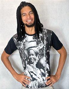 Camiseta Básica Mulher Panela na Cabeça