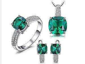 Conjunto de Esmeraldas com Colar Brincos e Anel de Prata cor Verde