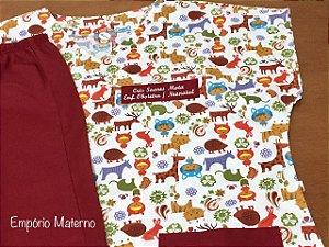 Pijama Cirúrgico - Gola V - Manga Japonesa Blusa Estampada Safari 03 - Cor da calça opcional