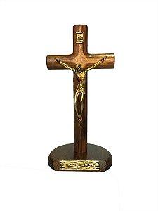 Crucifixo de mesa 17cm Cilíndrico - Em madeira