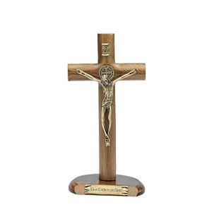 Crucifixo De Mesa Com Medalha De São Bento 17cm
