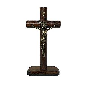 Crucifixo Em Madeira C/ Medalha De São Bento 18cm