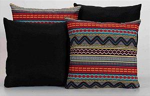 Kit com 4 Almofadas Decorativas Estampa Preto com Listras Coloridas