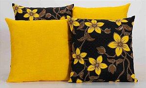 Kit com 4 Almofadas Decorativas Estampa Preto com Flores Amarelas