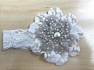 Faixa Flor 11 cm, renda e pérolas, off